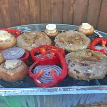 Burgers and vegetables on the bbq
