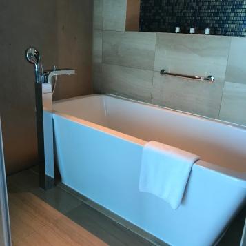 Bathtub Fairmont Bab Al Bahr