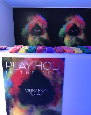 Play Holi Party Pod