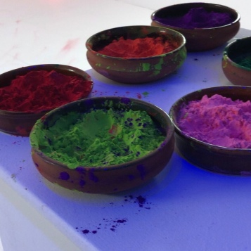 Paint to play holi