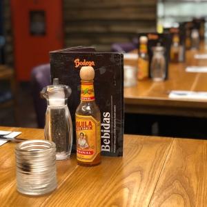 Table setting Bodega