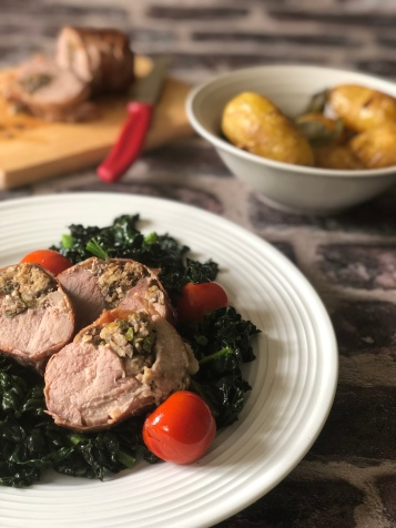 Pork with stuffed sage and peach