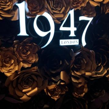1947 London Flower Wall